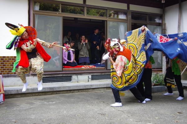 獅子舞など集落の文化にも触れる事ができる