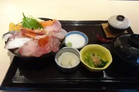 魚釜_海鮮丼