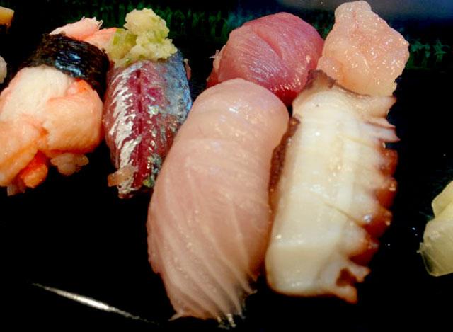 幸寿司の地魚にぎり