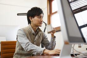 設計事務所で働く人のイメージ